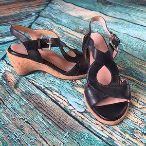 SH38 Taryn Rose Black Cork Wedge 6.5